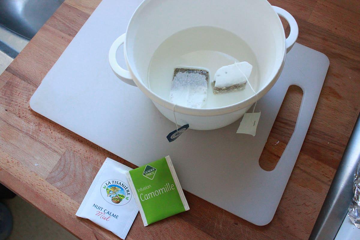 les sachets de thé qui infusent pour le spray