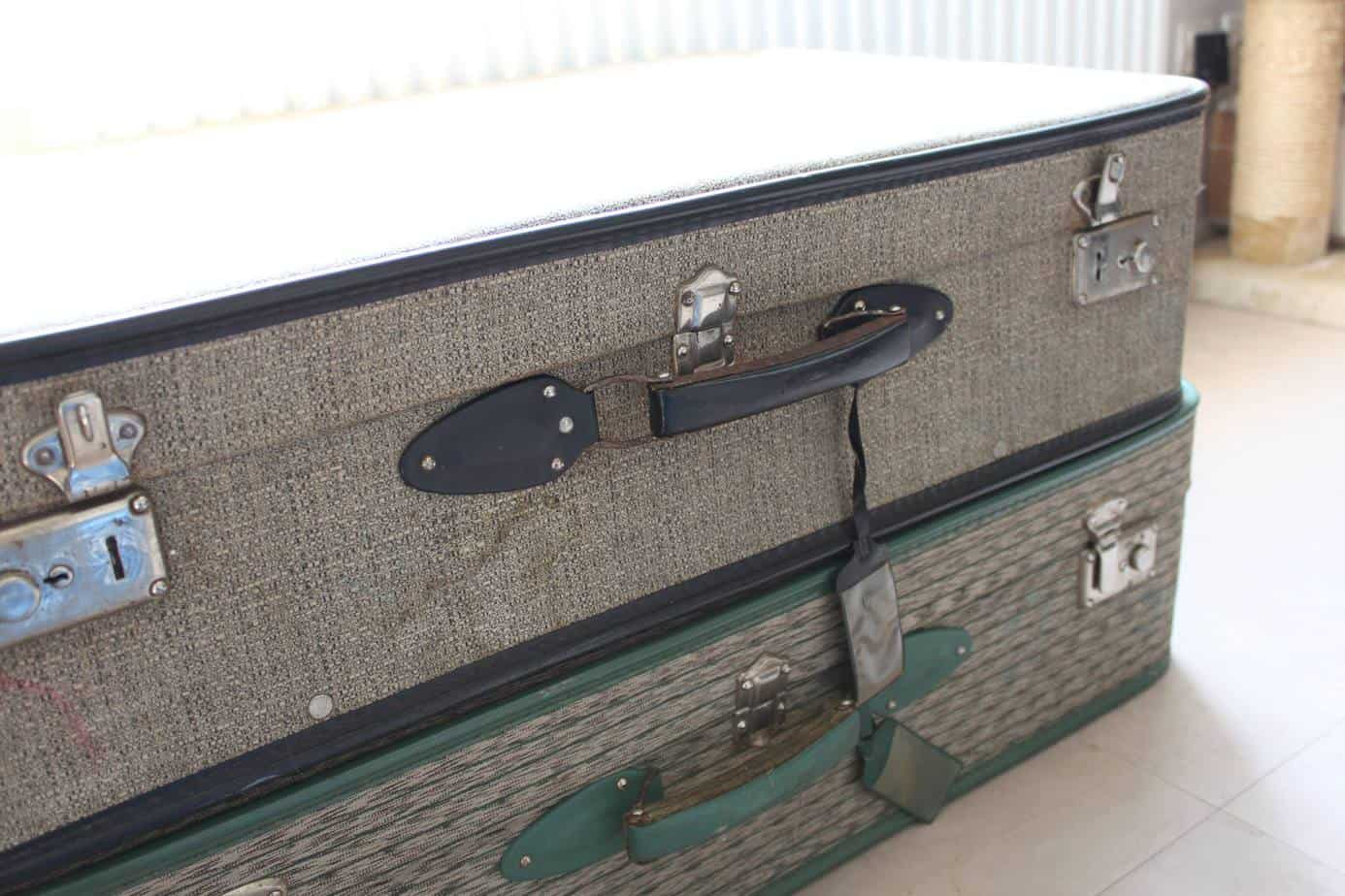customiser valise ancienne vieille valise avec malle ancienne achat vente malle ancienne pas. Black Bedroom Furniture Sets. Home Design Ideas