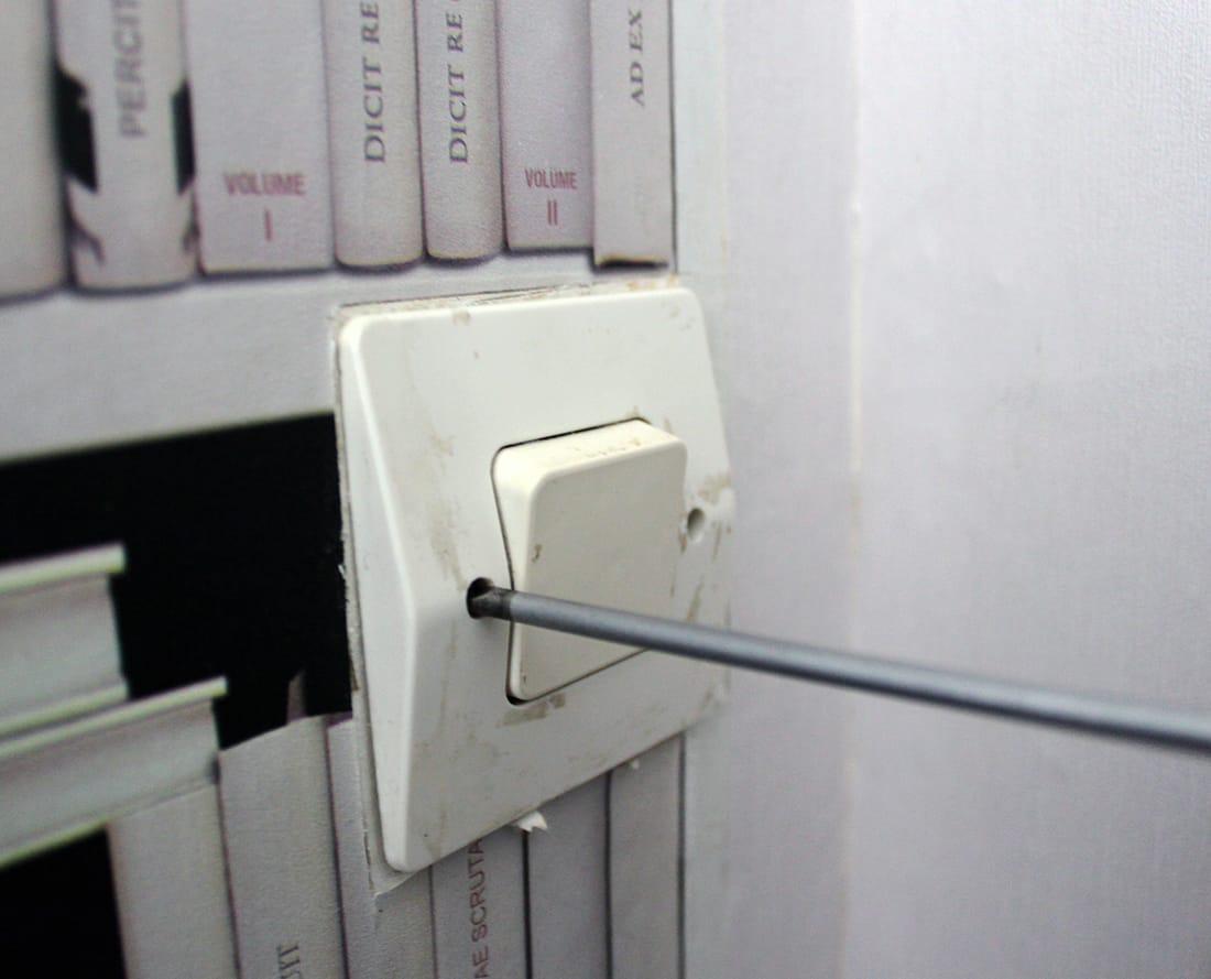 devissage de l'interrupteur ancien