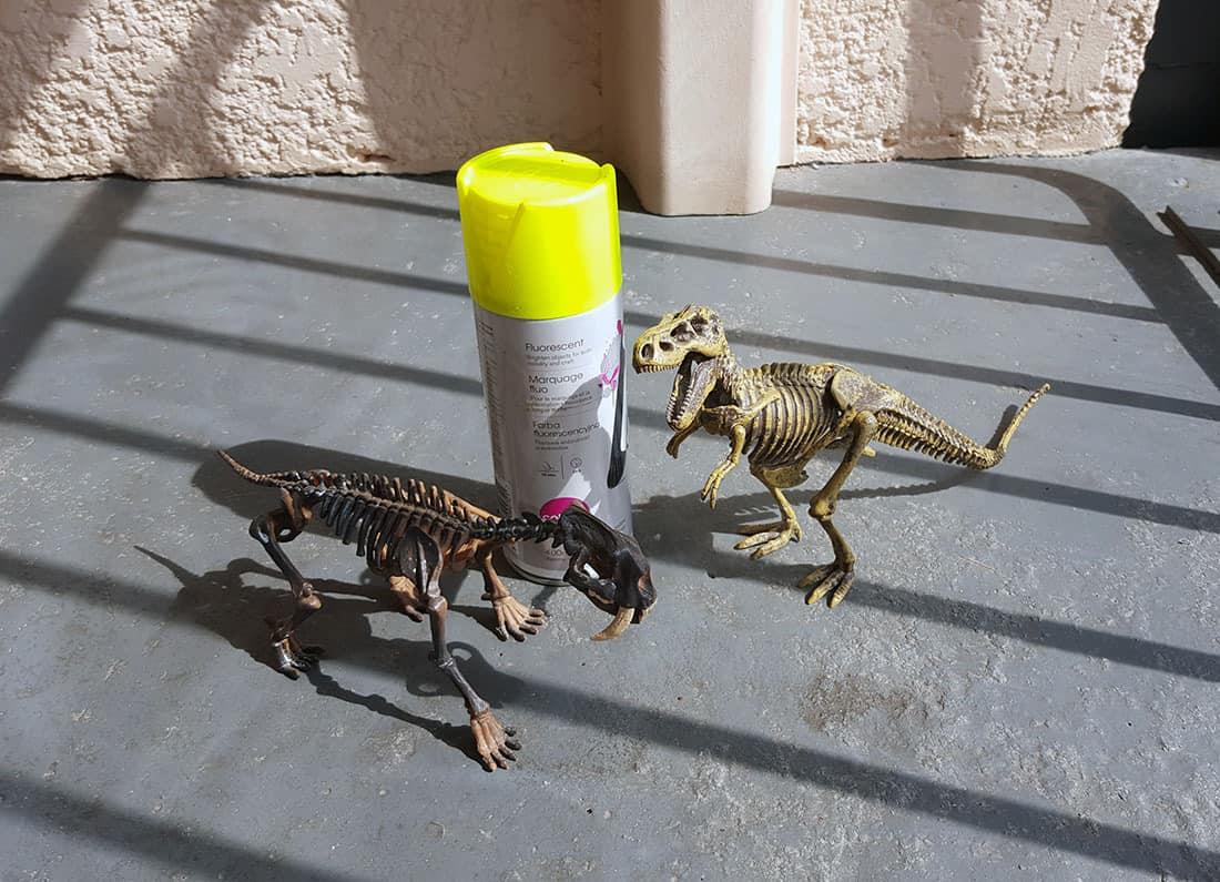 materiel necessaire pour le diy dinosaure