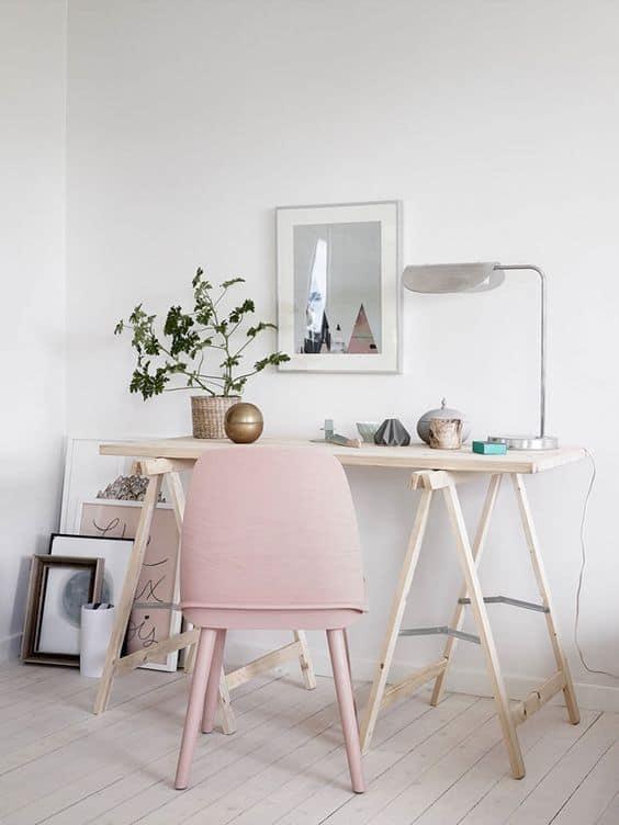 Attrayant Un Bureau Simpliste Dans Un Petit Espace