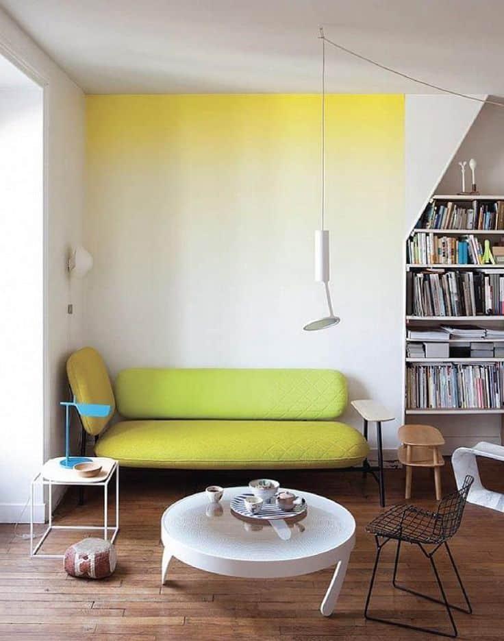 un salon jaune parfait pour un studio - Inspiration Pinterest : comment bien aménager un studio