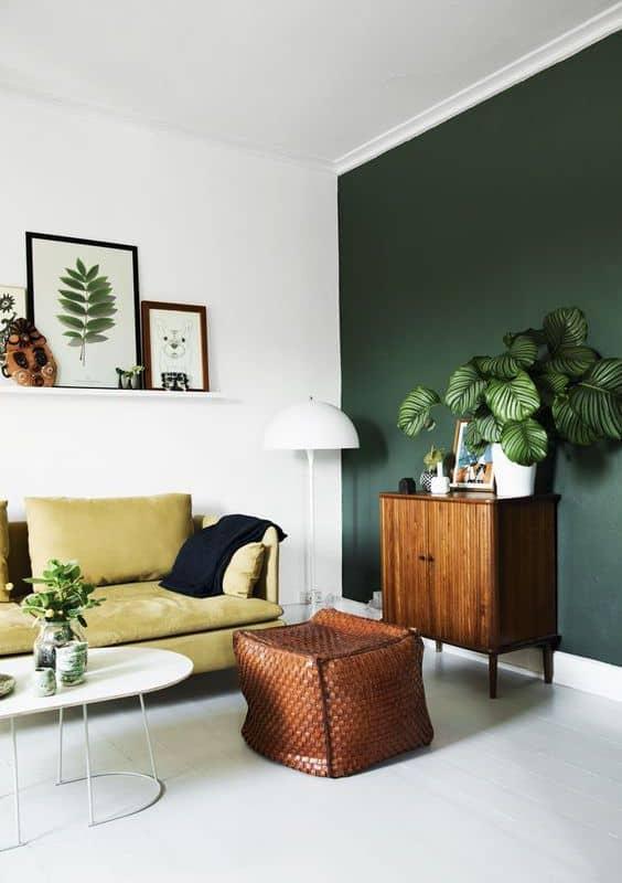 un salon kaki parfait pour un studio - Inspiration Pinterest : comment bien aménager un studio