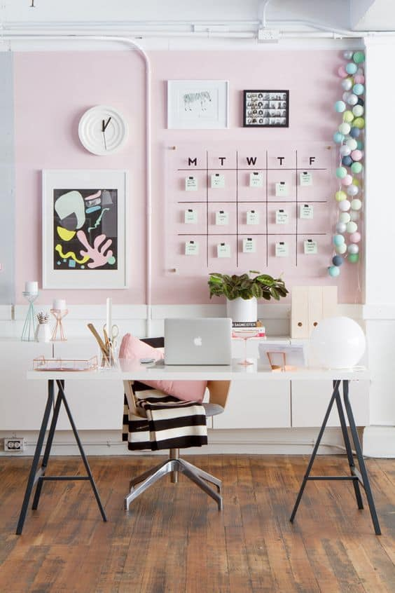 blog : un bureau rose tendance