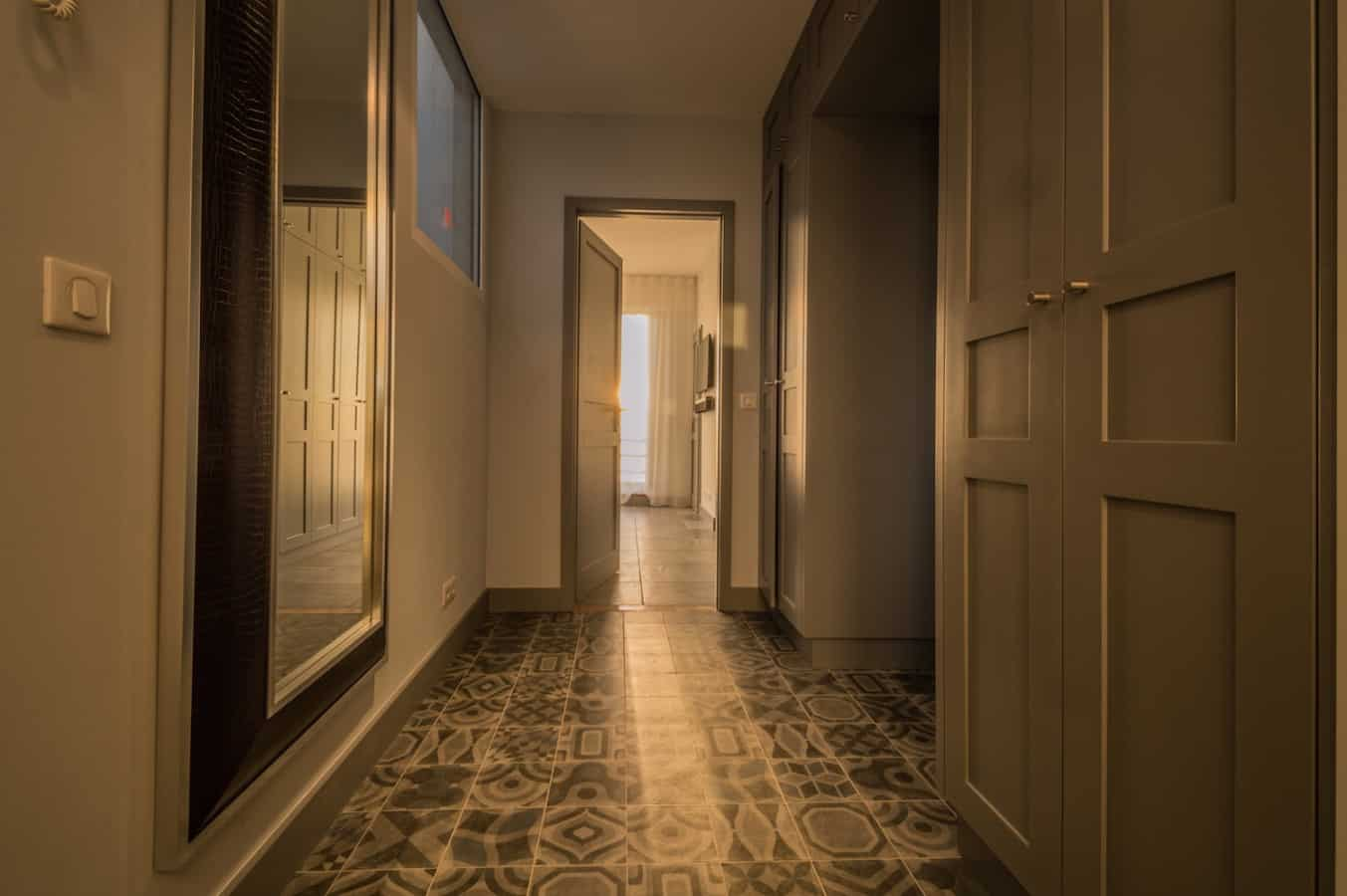 couloir penthouse nice architecte luxoria - Luxoria Interiors, un cabinet d' architecte haut de gamme