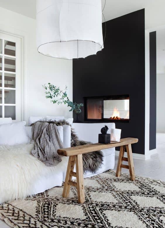 salon deco blanche avec mur deco noir