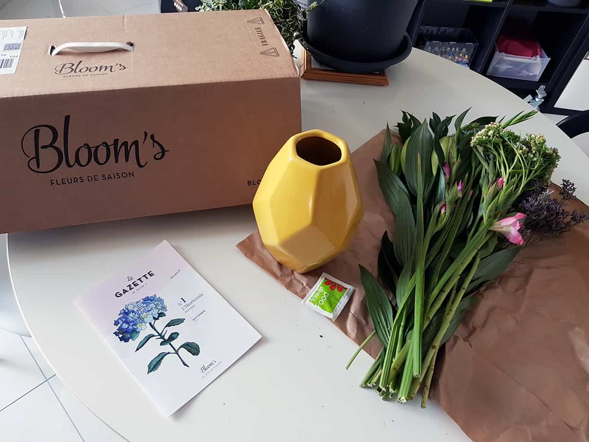 la box a fleurs blooms - Bloom's, une box de fleurs remplie de charme