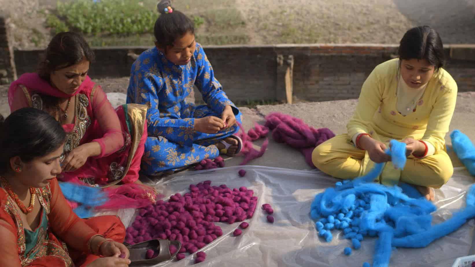 fabrication tapis sukhi nepal femme