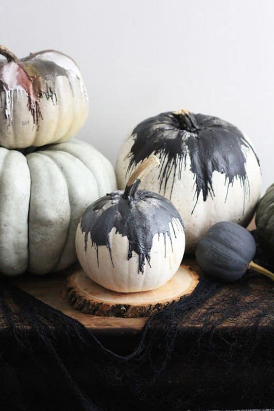 peinture coulante pour decorer la citrouille d'halloween