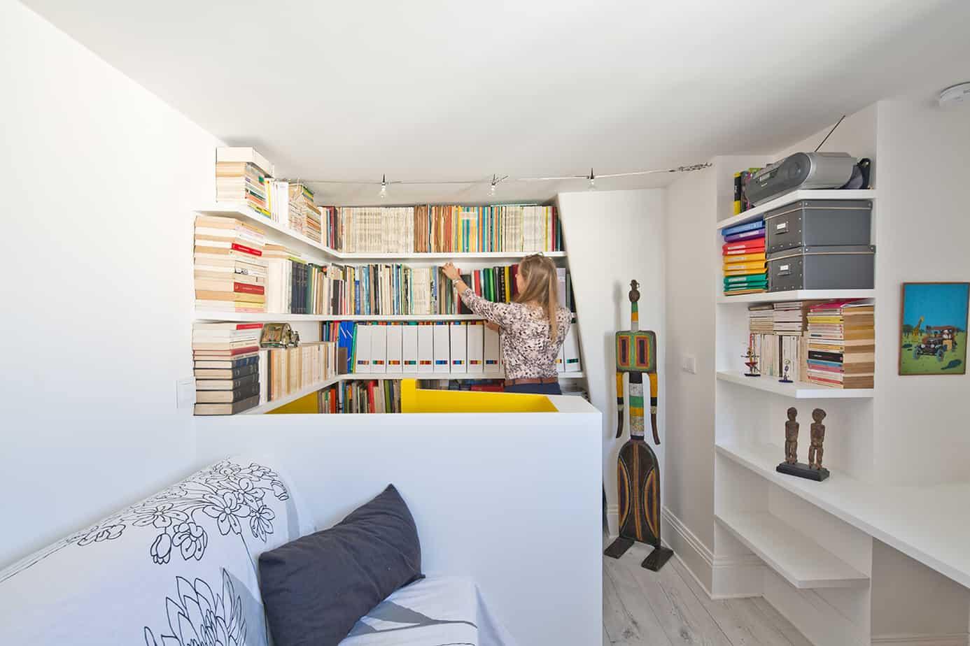 bibliotheque bureau archibien © Jonathan Letoublon Architecte Antonin Ziegler via Archibien 20 - Visite d'un appartement Archibien à Paris