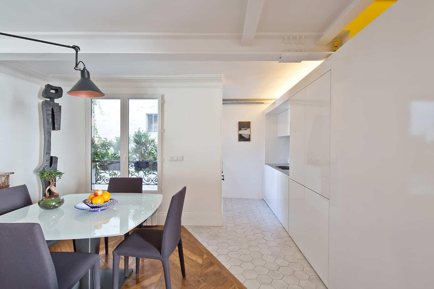 cuisine visite dun appartement parisien © Jonathan Letoublon Architecte Antonin Ziegler via Archibien 9 - Visite d'un appartement Archibien à Paris