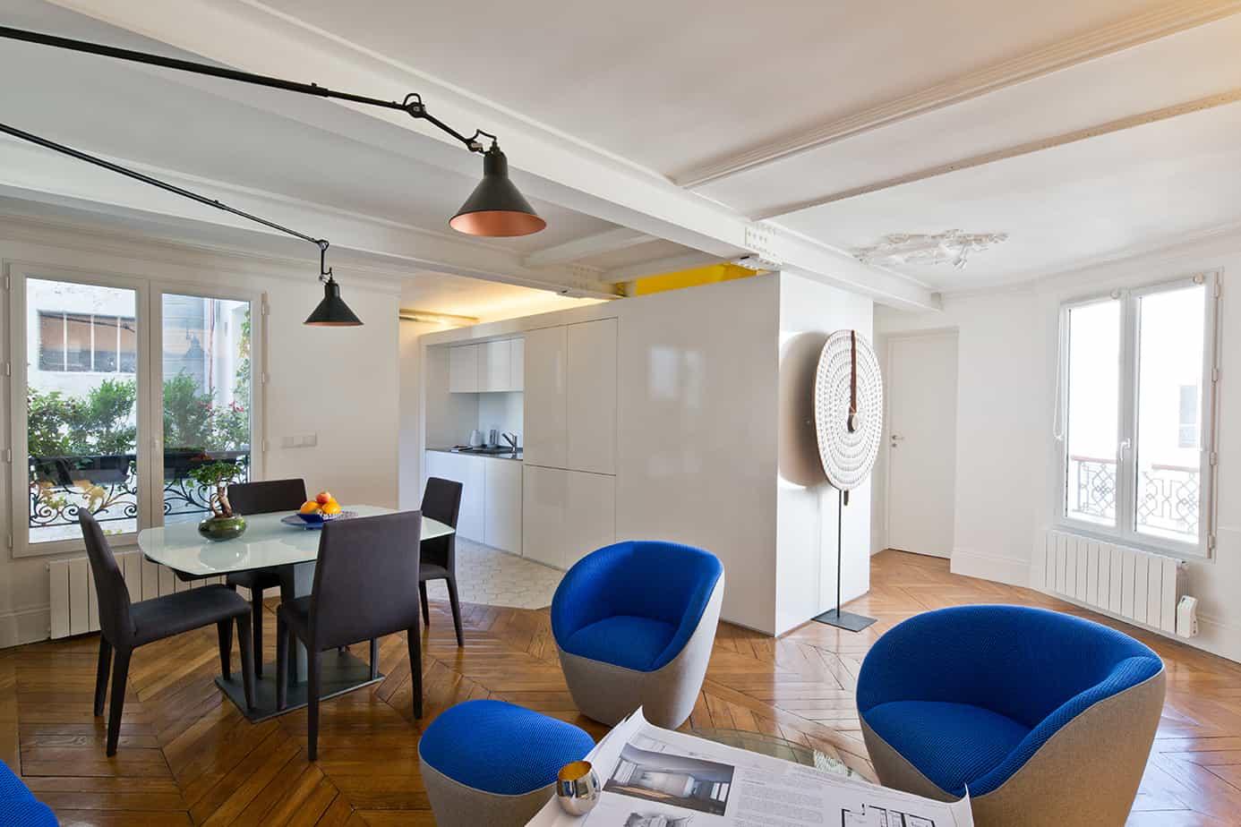 piece a vivre visite dun appartement parisien © Jonathan Letoublon Architecte Antonin Ziegler via Archibien 7 - Visite d'un appartement Archibien à Paris