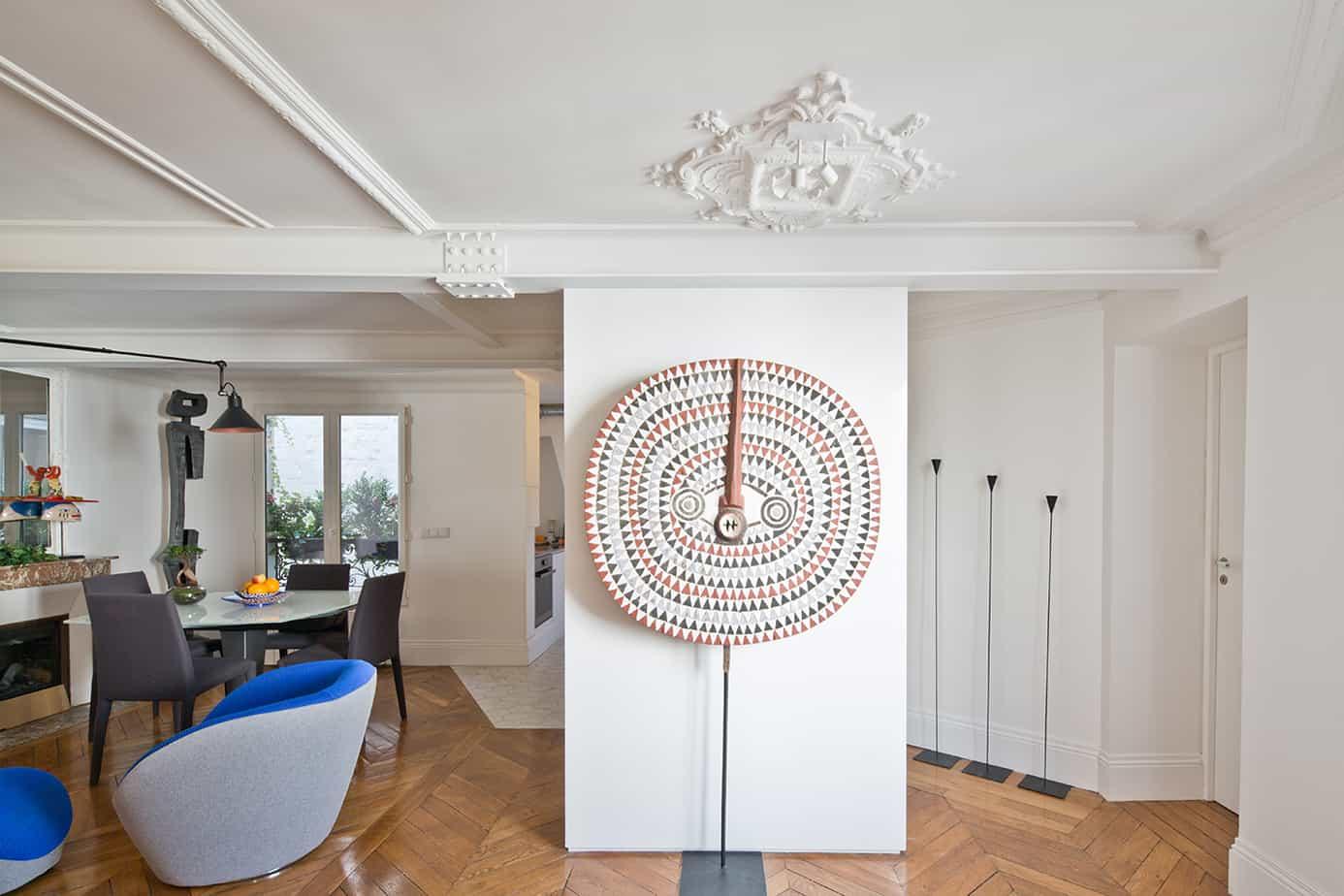salon visite dun appartement parisien © Jonathan Letoublon Architecte Antonin Ziegler via Archibien 11 - Visite d'un appartement Archibien à Paris