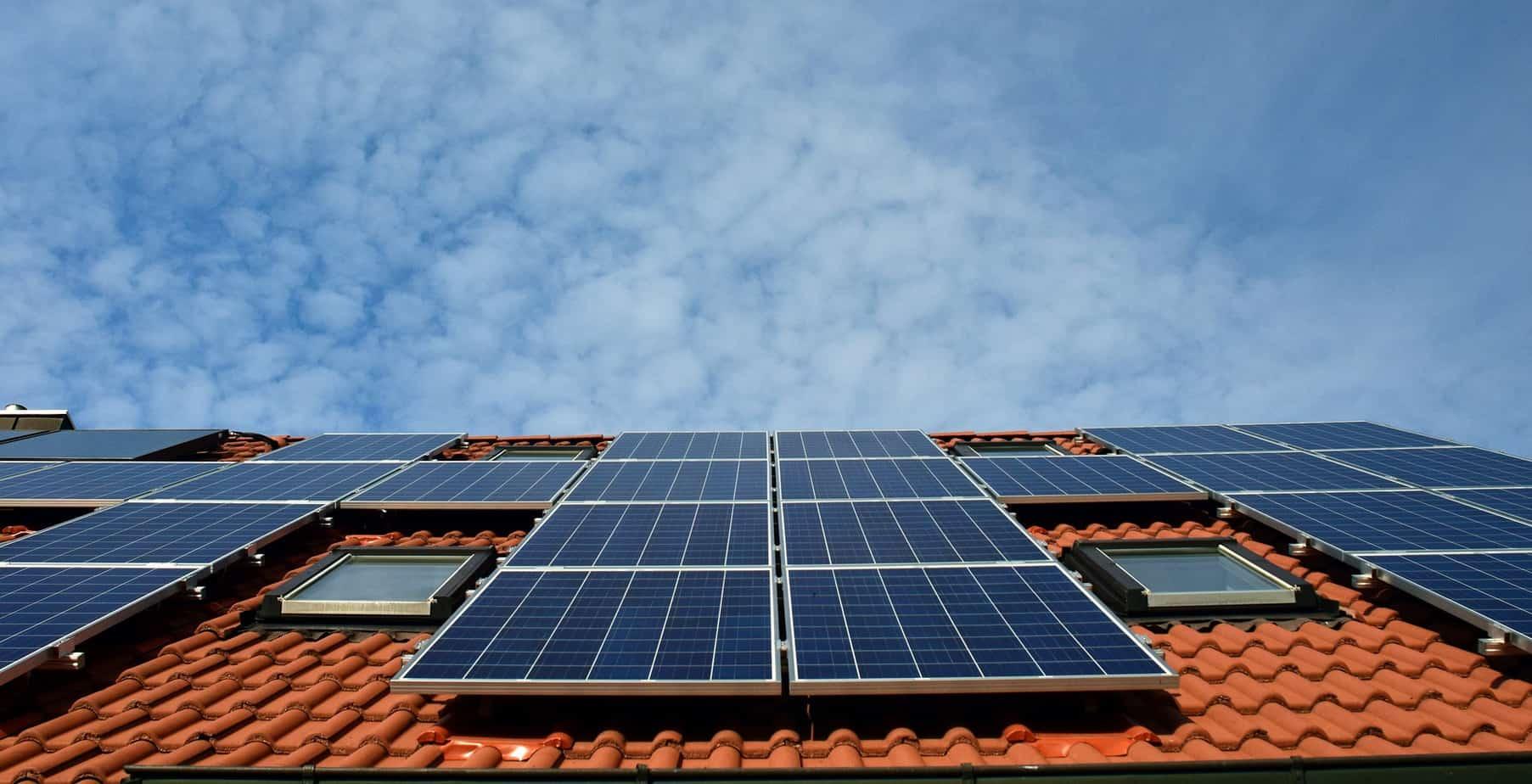 panneau solaire maison écologique
