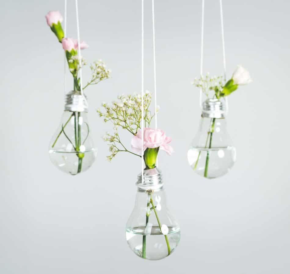 idees de recyclage ampoule et fleur diy