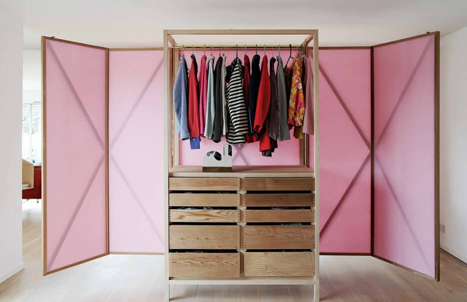 un dressing decore de rose et ultra fonctionnel