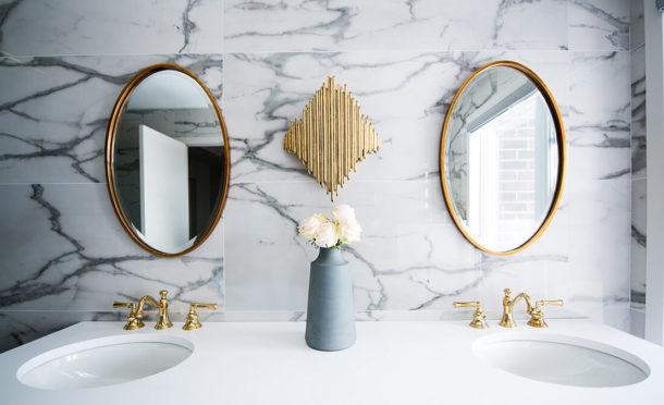 cropped christian mackie 6BJu73 UJpg unsplash 2 610x372 - Choisir les meubles de la salle de bains