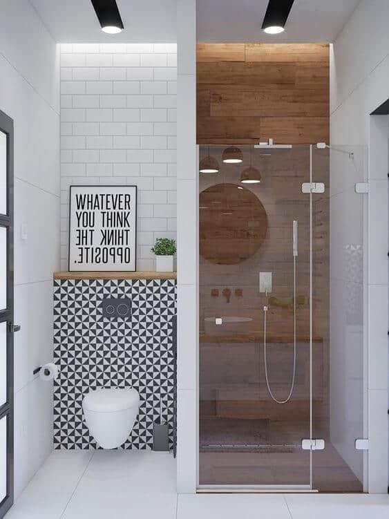 une petite douche à litalienne avec toilettes  - La recette pour une douche à l'italienne réussie