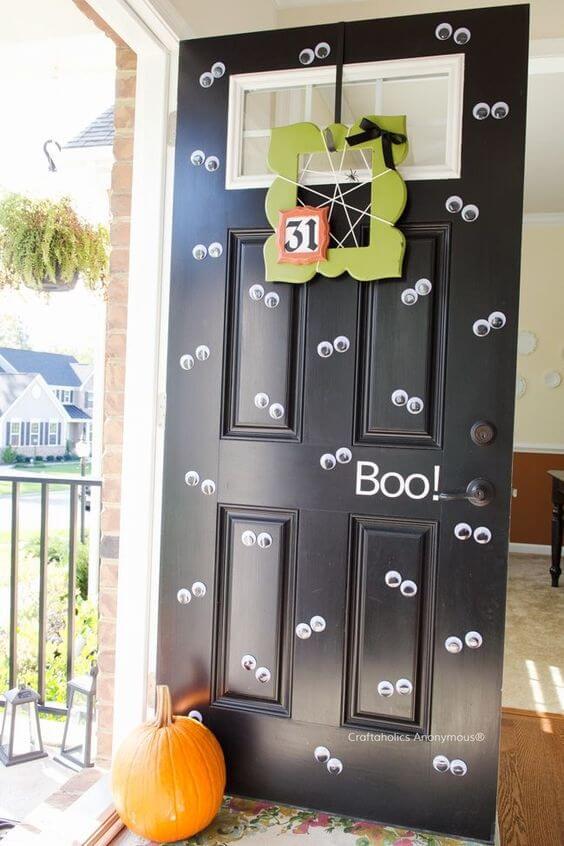 deco porte halloween - 12 idées pour décorer la porte à Halloween
