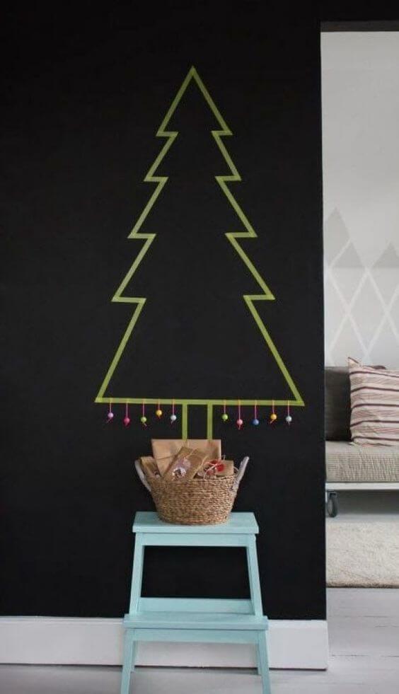idées pour remplacer le sapin par du ruban adhesif type masking tape  - 10 idées pour fabriquer le sapin de Noël