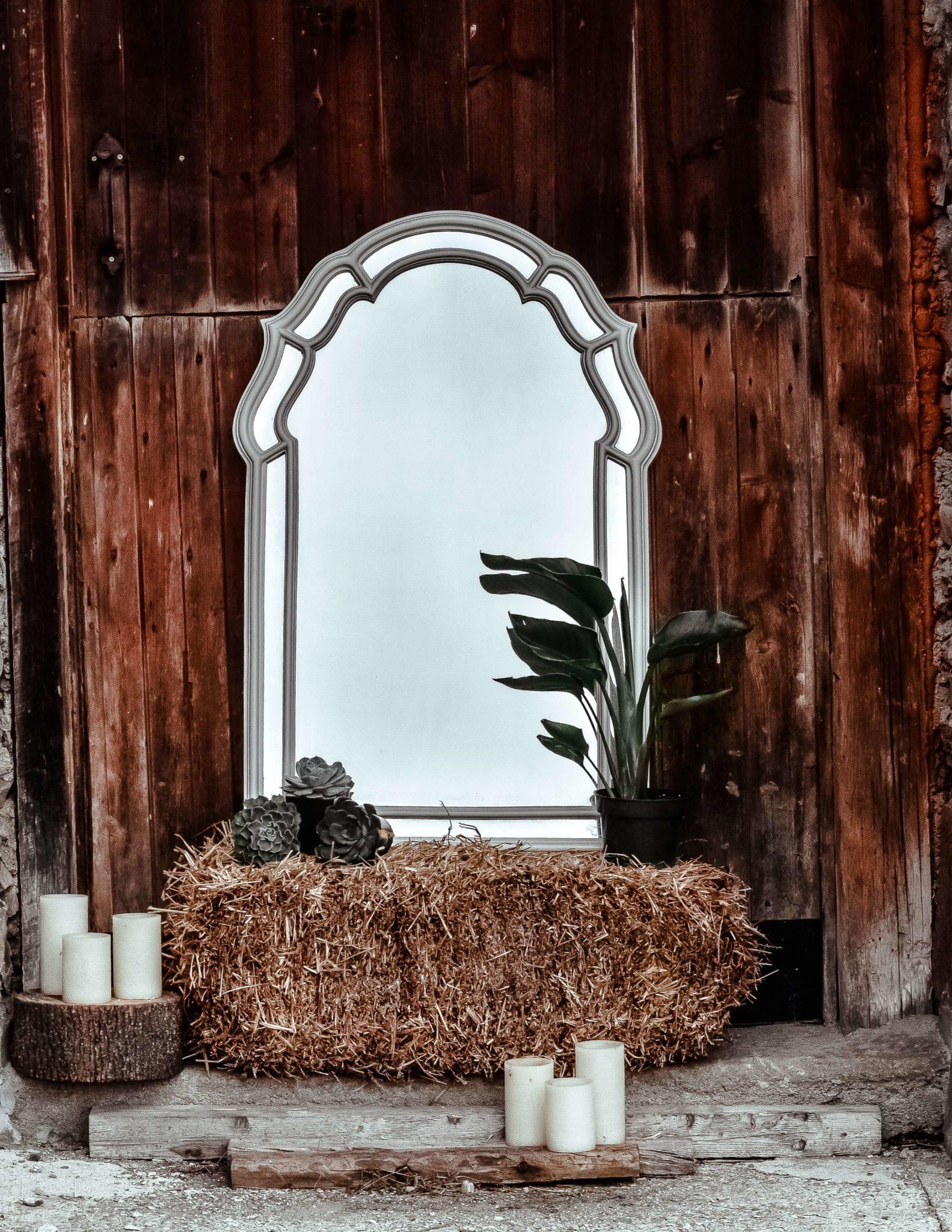 jacalyn beales ub1SVTWHzZc unsplash 2 1583x2048 - 9 objets rétro à intégrer dans une décoration vintage