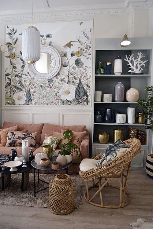 Un salon classique avec un papier peint à fleurs  - Quel papier peint pour mon salon ?