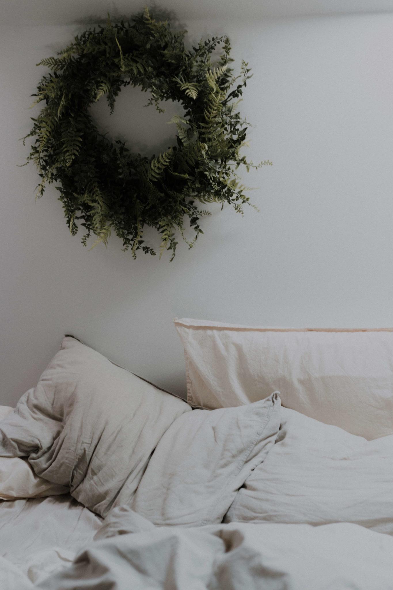 aménager une ambiance ressourçante avec les matières  1365x2048 - Comment créer une ambiance ressourçante à la maison en hiver ?